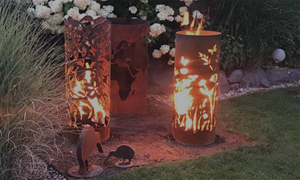 Feuersäulen aus Stahl und Cortenstahl